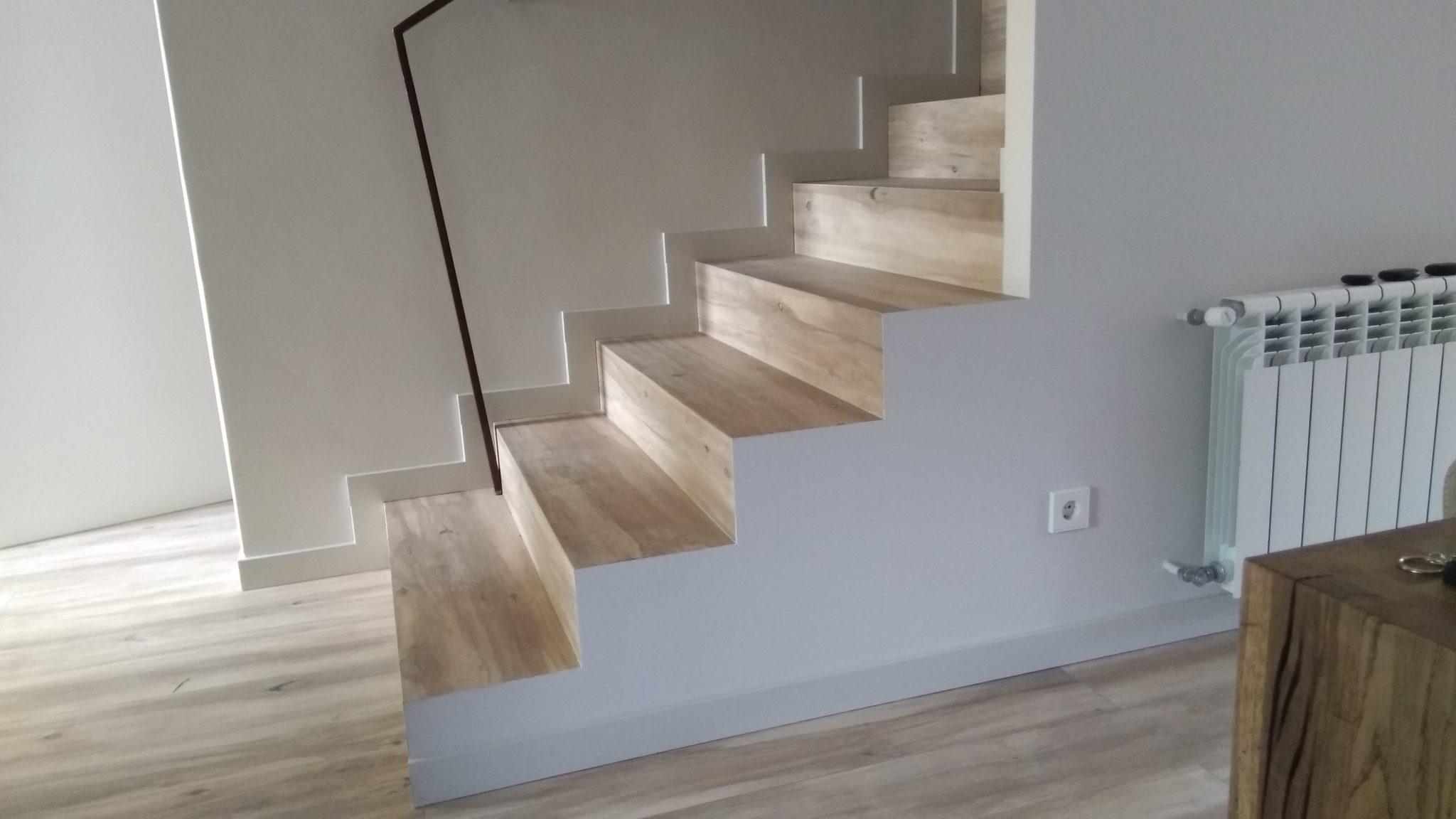Escaleras de gres porcelanico stunning ambiente serie - Peldanos escalera imitacion madera ...